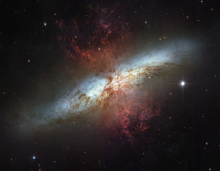 M82_HST_ACS_2006-14-a-large_web