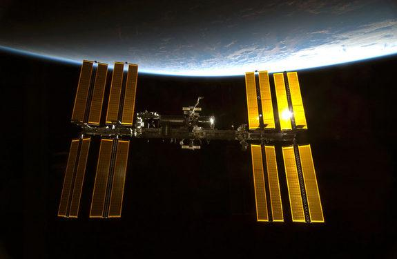 space-station-view-100213-02
