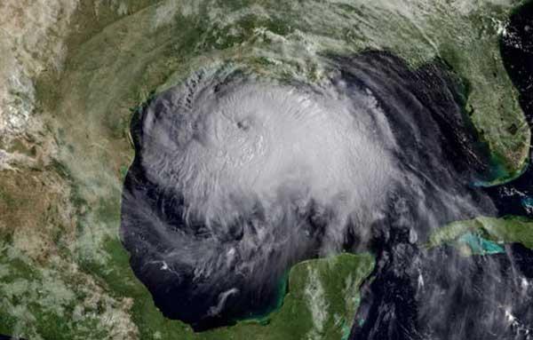 080912-hurricane-02