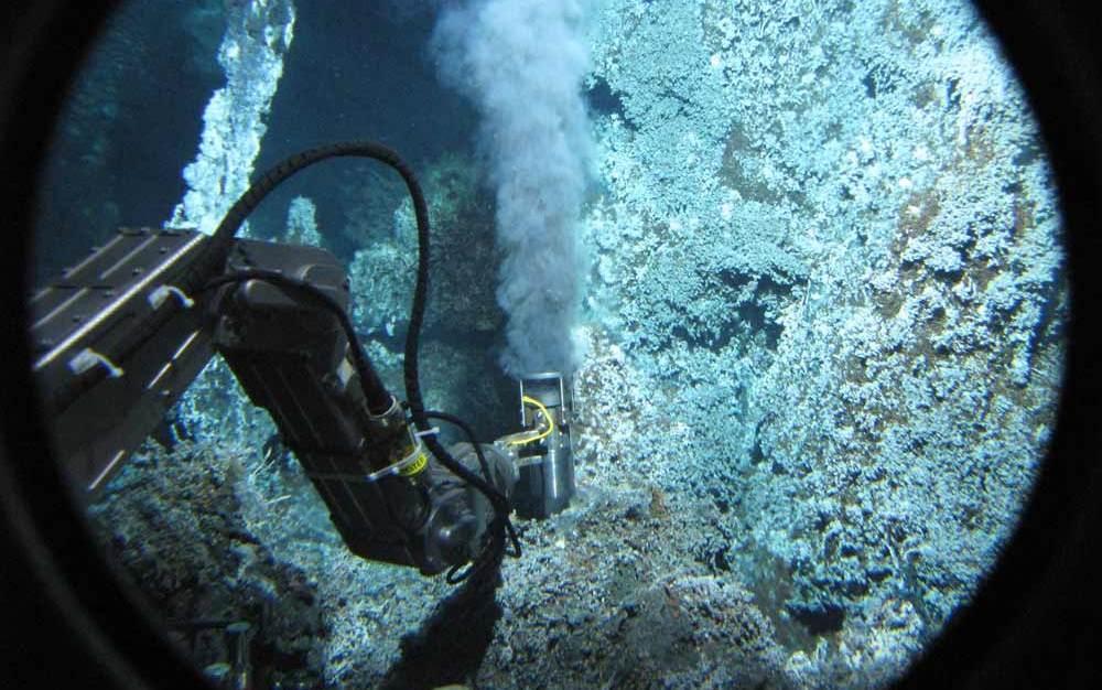 alvin-deep-sea-vent