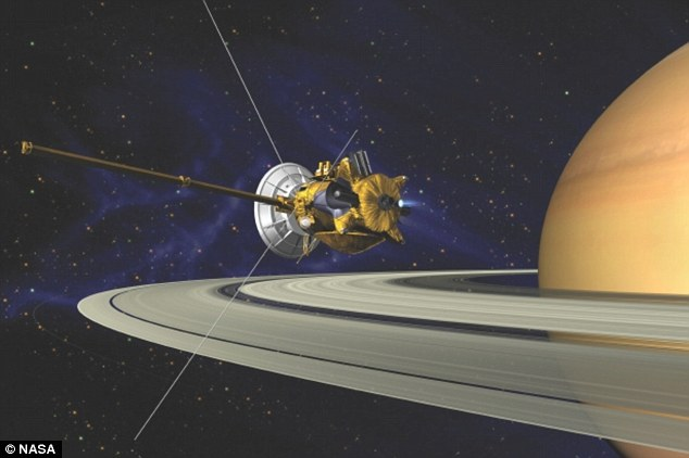 تصویری هنری از کاسینی در در میان حلقه های زحل، این فضاپیما با 10 سال کاوش در منظومه زحل سهم بزرگی در افزایش دانش ما از این سیاره و قمرهایش داشته است.