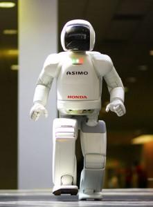 تصویری از ربات آسیمو، یک ربات انسان نما طراحی شده توسط شرکت هوندا
