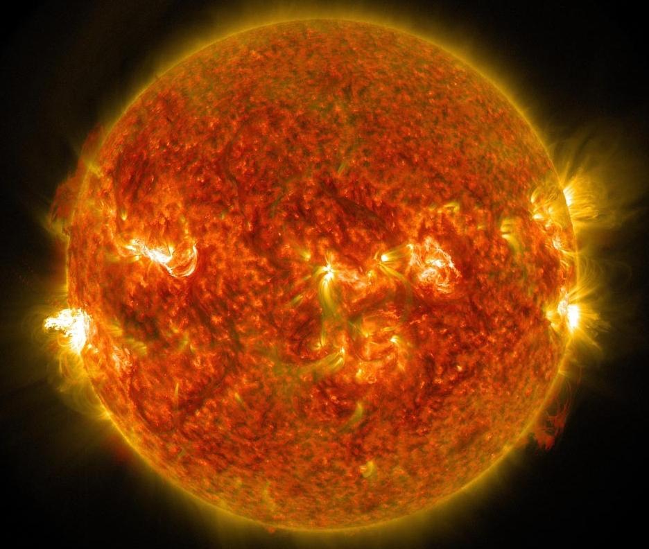 دانشمندان معتقدند ذرات گریزان ماده تاریک می تواند در دل خورشید تشکیل شود.