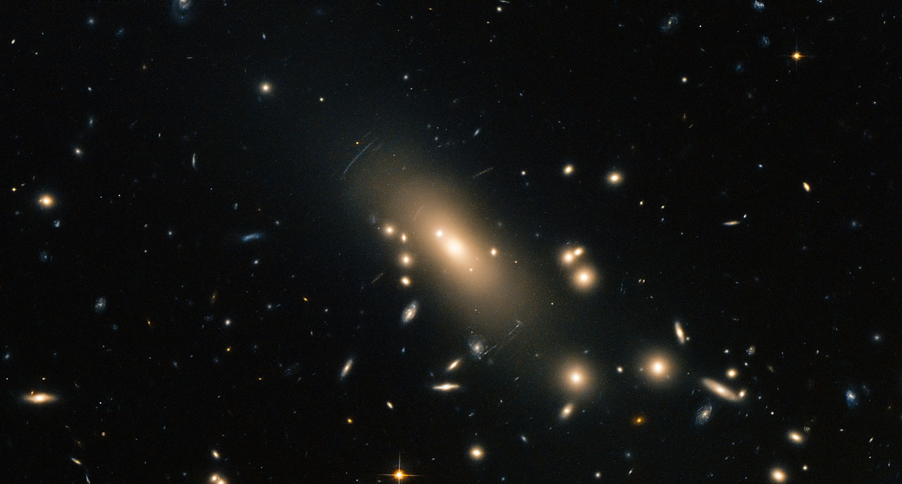 Hubble reveals a super-rich galactic neighbourhood