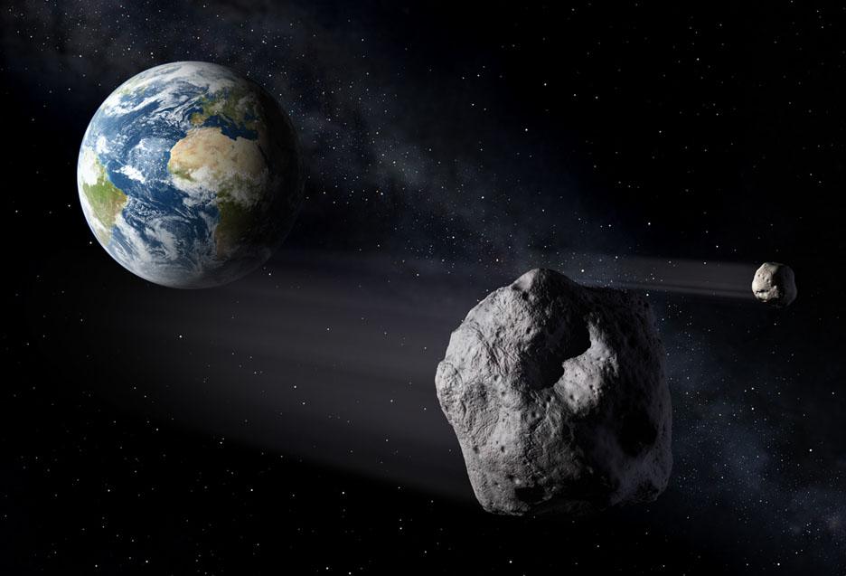 تصویری هنری از عبور یک سیارک با همدمش از کنار زمین