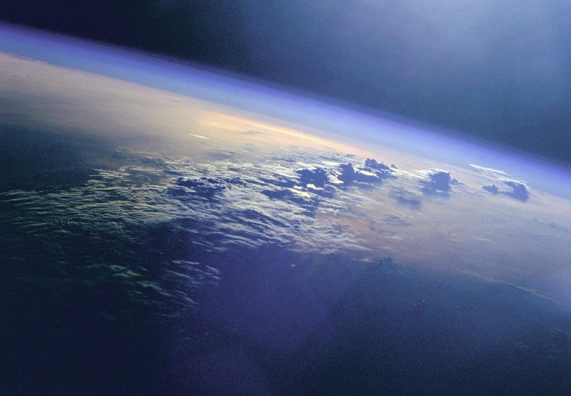 به گفته ی دانشمندان جو باستانی زمین به شدن سمی بود.