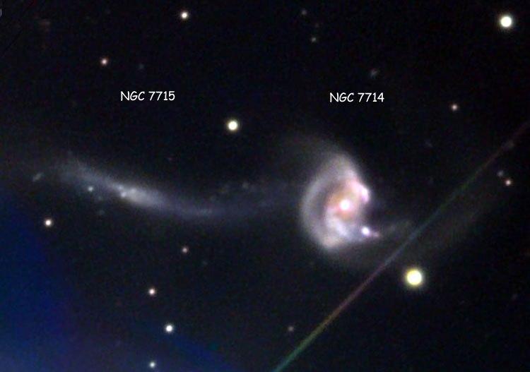 تصویری با زاویه دید باز از ادغام دو کهکشان NGC 7714 و NGC 7715