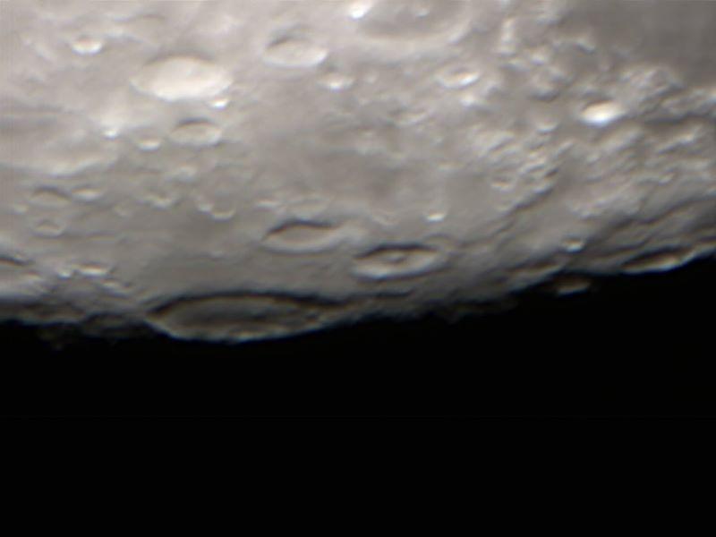 عکسی که هاوکینگ از ماه ثبت کرده است.