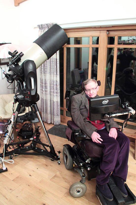 عکس برداری نجومی هاوکینگ با استفاده از تلسکوپ جدیدش