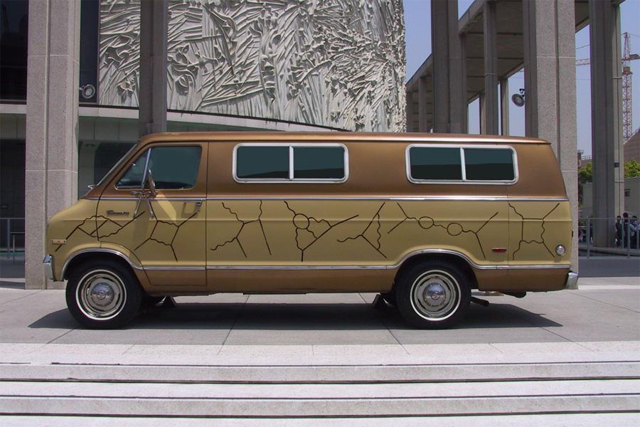 فاینمن آنقدر بخاطر نمودارهایش ذوق زده شده بود که آنها را بر یک طرف ماشینش نقاشی کرده بود.