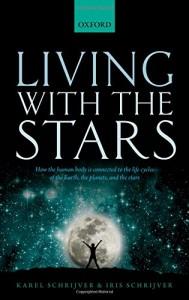 """تصویری از صفحۀ روی جلد کتاب """"زندگی با ستارگان"""""""