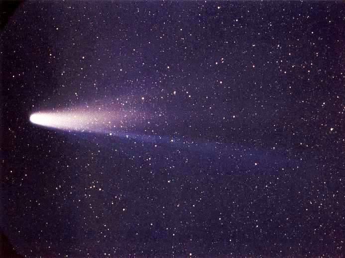 تصویری از دنباله دار هالی در سال 1986، این دنباله دار هر ۷۶ سال در آسمان کرهٔ زمین دیده میشود.