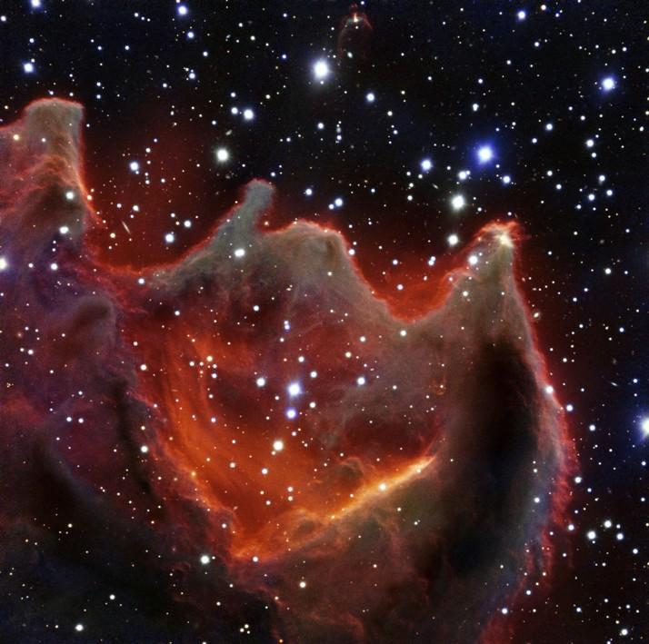 """تلسکوپ بزرگ VLT تصویری جدید و واضح از """"گویچه های دنباله دار CG4"""" ثبت کرد."""