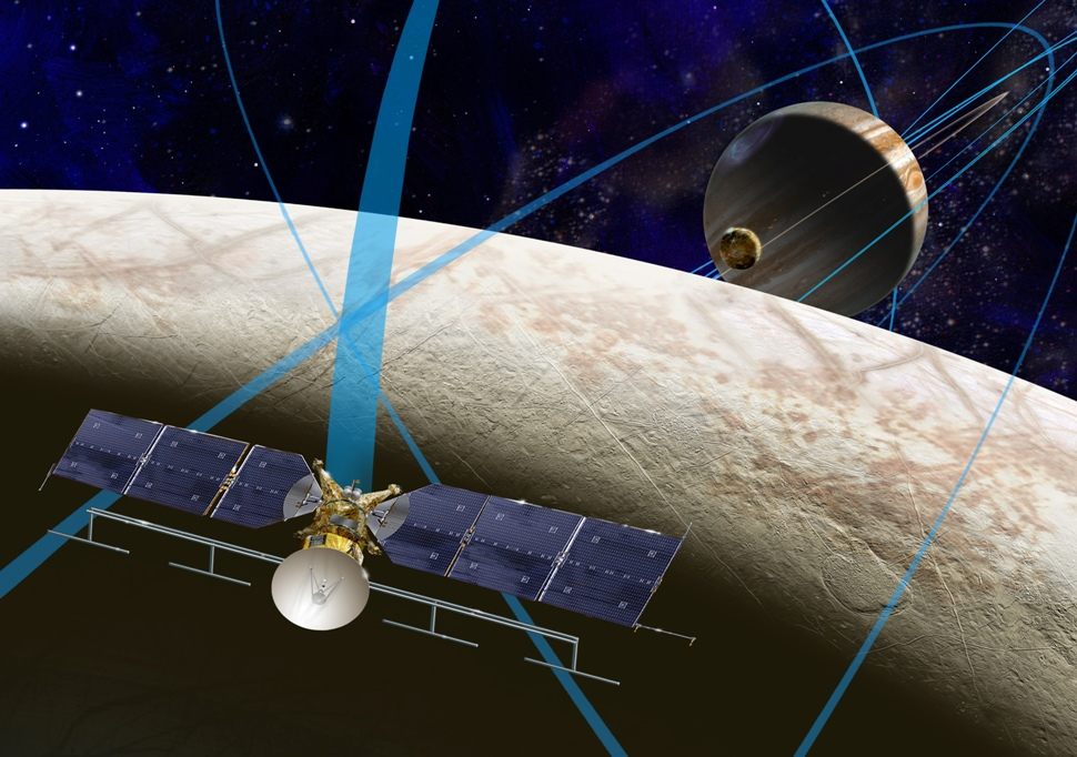 تصویر هنری چرخش فضاپیمای کلیپر به دور اروپا قمر مشتری