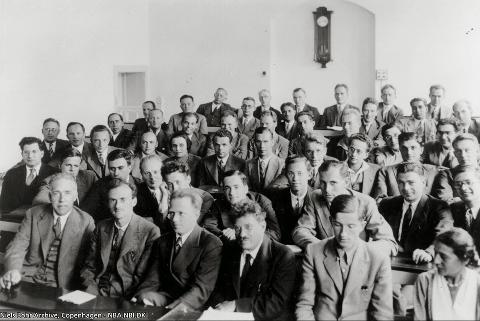 نیلز بور، پل دیراک، اروین شرودینگر و جمعی دیگر در انستیتوی کپنهاگ