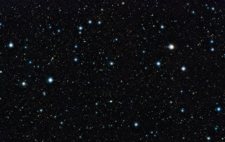 در این تصویر بیش از 200 هزار کهکشان را در یک قاب مشاهده می کنید.
