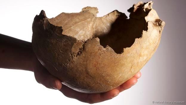 انسان های کهن از کاسه ی سر جمجمه در مراسم های باستانی استفاده می کردند.