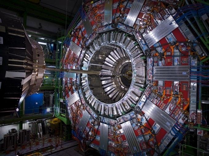 فروپاشی نادر ذرات زیر اتمی در برخورد دهندۀ بزرگ هادرونی مشاهده شد.