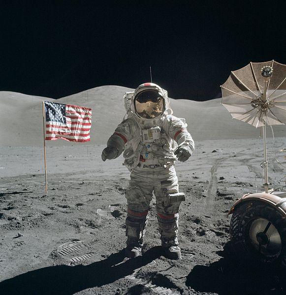 فضانورد یوجین سرنان بر روی ماه، ۱۳ دسامبر ۱۹۷۲. اعتبار عکس: ناسا