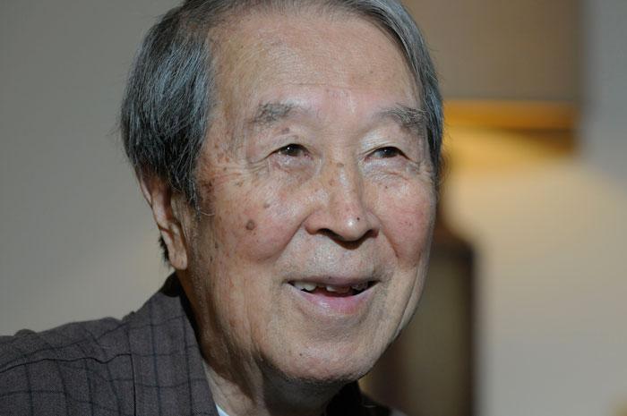 یوشیرو نامبو: 2015-1921