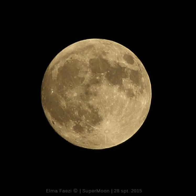 تصویری از ابر ماه پیش از قرار گرفتن در سایه ی زمین. عکس از: الما فائزی، تهران