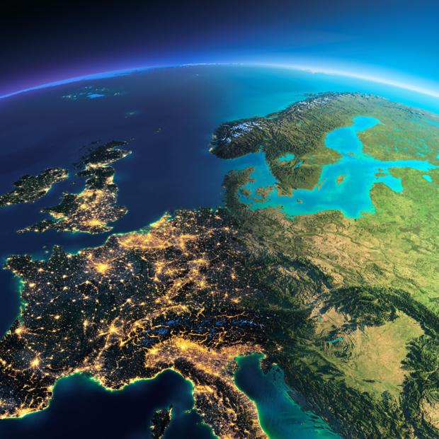 نمایی هنری از کشورهای ایتالیا و یونان