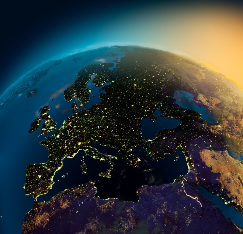 قاره ی اروپا در شب