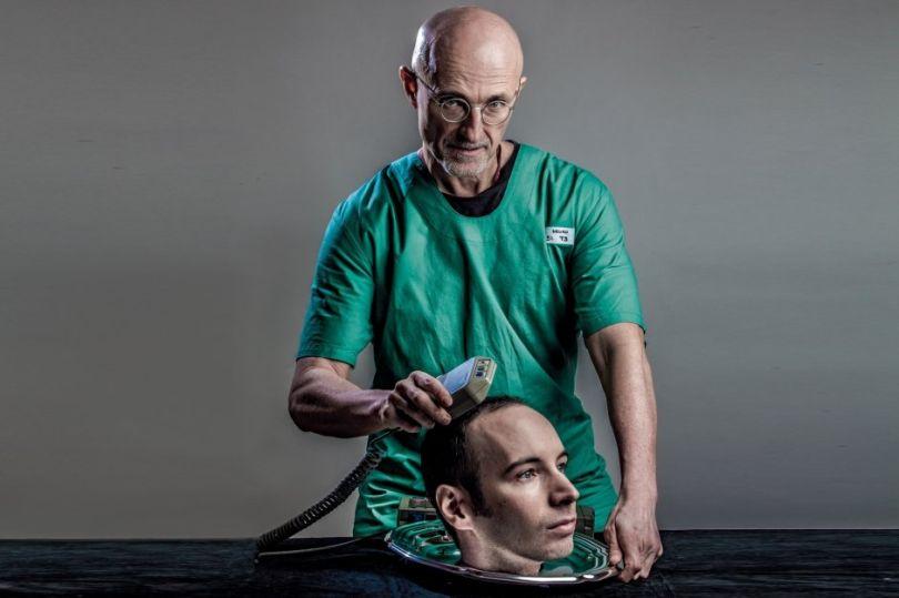 این عمل آن قدر جنجالی شده که پای جراحش به بازی متالگیر سالید 5 هم رسیده و شخصیتی شبیه به او در بازی حضور دارد!