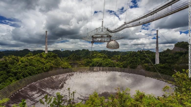 """تلسکوپ رادیویی بزرگ """"آرسیبو"""" در پورتوریکو"""