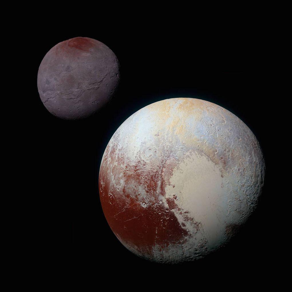 تصویری از پلوتو و قمرش شارون که فضاپیمای افق های نو به ثبت رسانده است.
