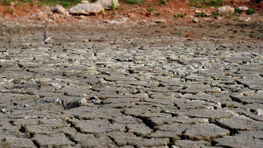 کمآبی و خشکسالی در بعضی نقاط