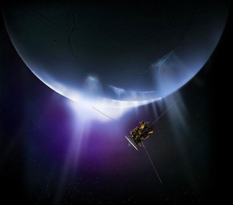Cassini-Closes-in-on-Enceladus-for-the-Last-Time