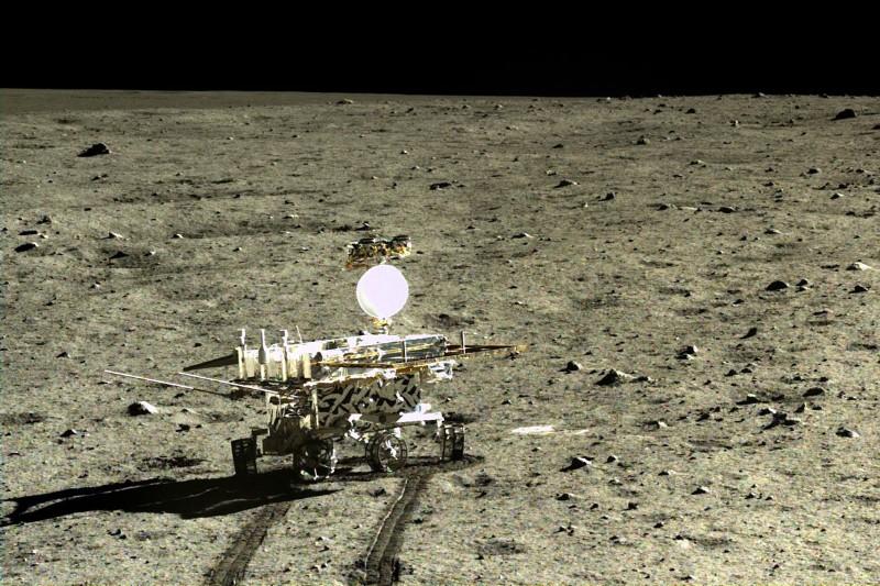 تصویری از کاوشگر یوتو که از سال 2013 به کاوش در ماه می پردازد.