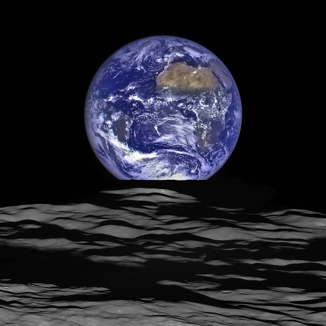 عکس جدید تیله ی آبی، زمین از مدار ماه