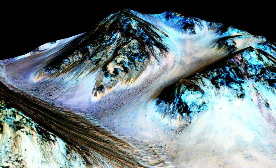 تصویر هنری، از جریان آب شور در مریخ