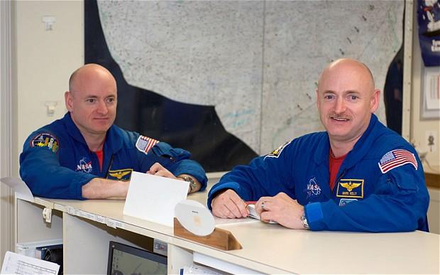 تصویری از اسکات کلی و مارک کلی بردار دو قلواش