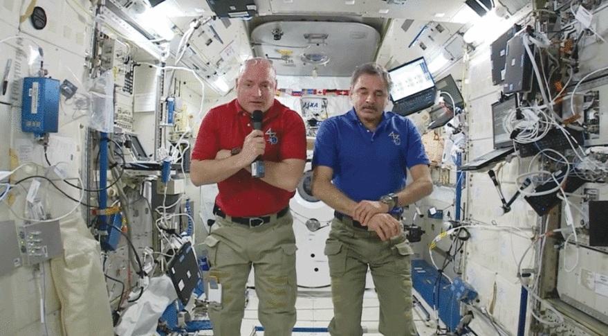 تصویر ميخاييل كورنينكو سمت راست و اسکات کلی در چپ