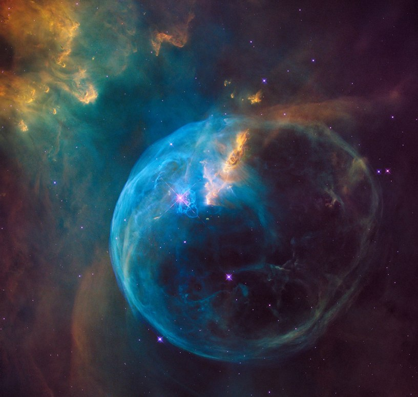 Hubble-Sees-a-Star-'Inflating'-a-Giant-Bubble