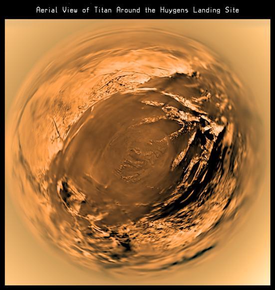 نمایی از سطح تیتان که در سال 2005 توسط کاوشگر هوینگس ثبت شده است.