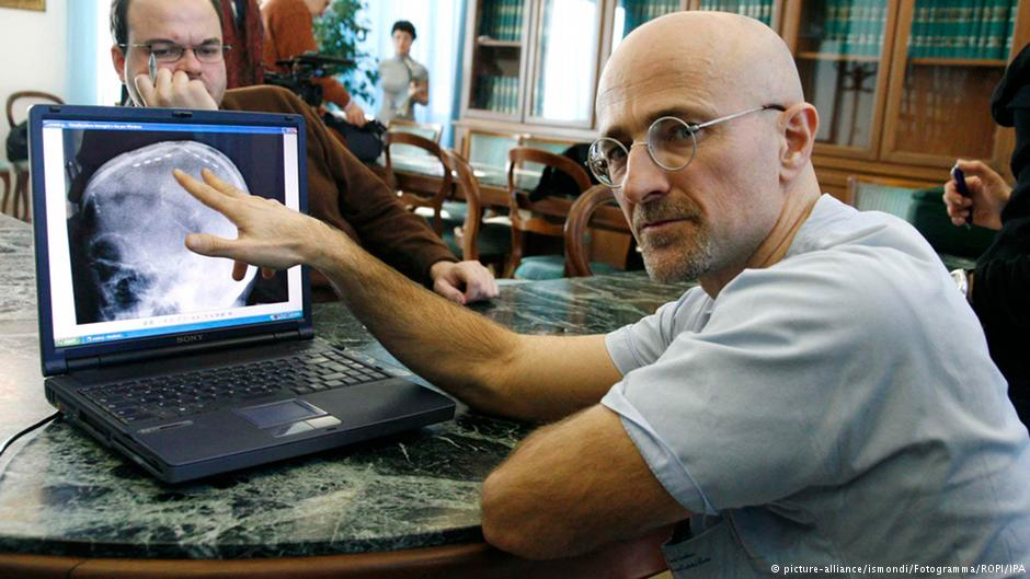 دکتر کاناورو، مدیر گروه مدولاسیون عصبی پیشرفته در تورین ایتالیاست.