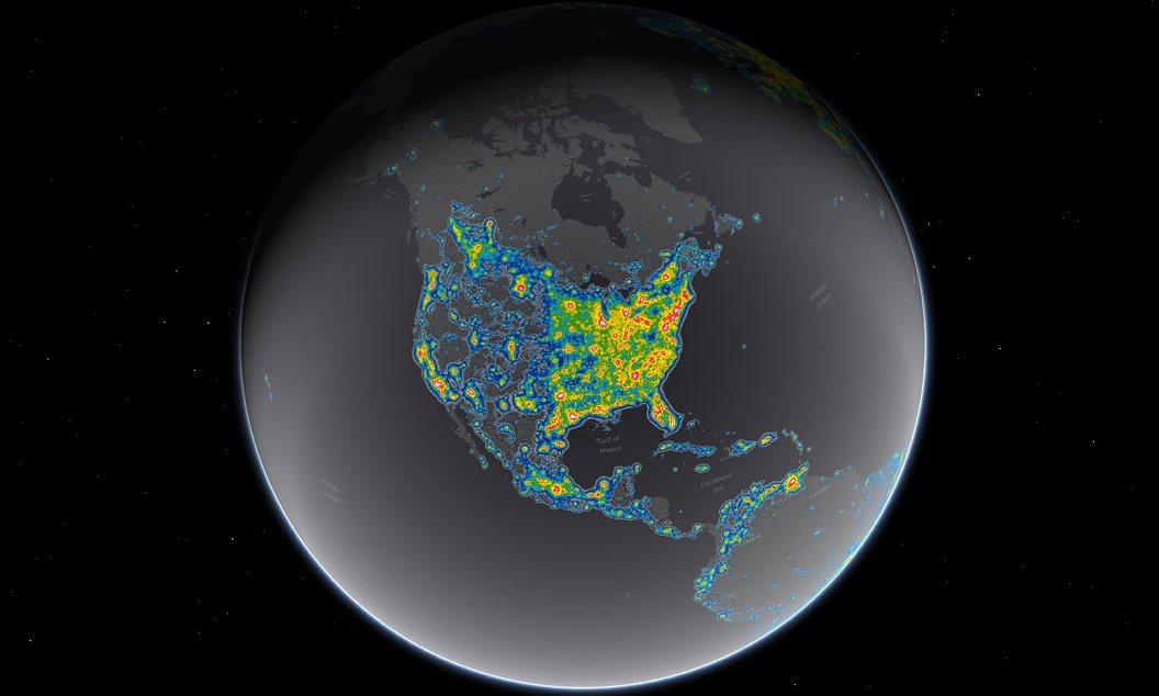 نواحی روشن روی نقشه نورهای مصنوعی و در نتیجه آلودگی نورهای شهری را نشان می دهد.
