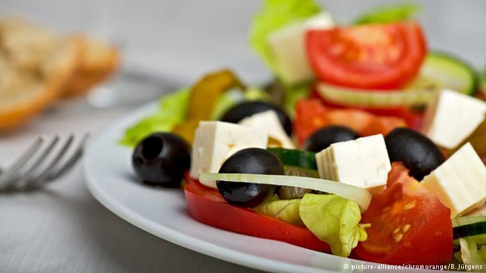 غذاهای مدیترانهای که از میوه و سبزیجات تازه و چربی حیوانی کم تهیه میشود برای همه مفید است. اما نمیتوان به طور قطع گفت که تغذیه از بازگشت بیماری جلوگیری میکند