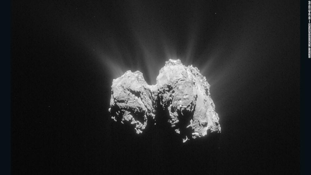 150514154819-rosetta-comet-67-p-3-5-15-super-169