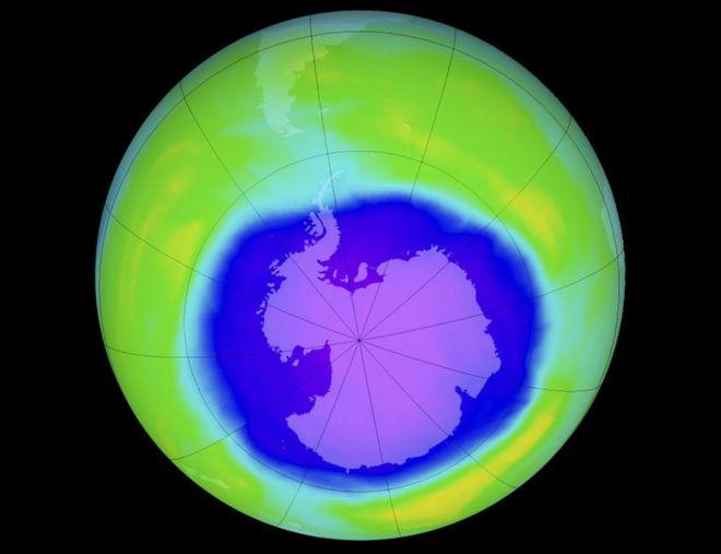 محققان اعلام کردند که لایه ی ازون بر فراز قطب جنوب در حال ترمیم است.