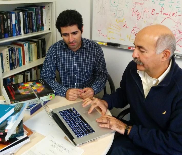 بهنام درویش (چپ) و بهرام مبشر ستاره شناسان دپارتمان اخترفیزیک در دانشگاه کالیفرنیا