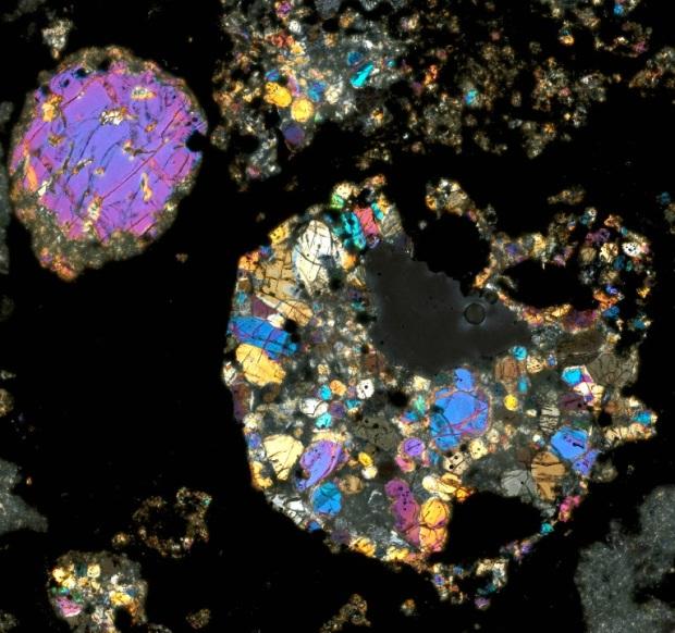 محققان وجود آهن مغناطیسی با درجه حرارت زیاد را در شهاب سنگ کندریتی شناسایی کردند که بر روشن تر می تواند شرایط اولیه ی منظومه ی شمسی را توضیح دهد.