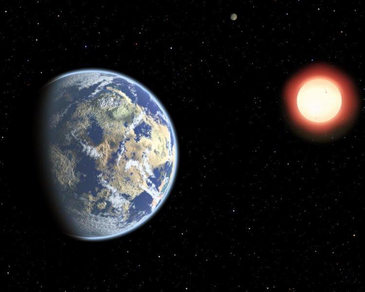 """این تصویر هنری ستاره ی کوتوله ی سرخی را نشان می دهد که یک جفت سیاره ی قابل سکونت به دور آن می چرخند. از آنجا که ستاره های کوتوله سرخ عمری طولانی دارند، احتمال حیات کیهانی در آنها با گذشت زمان قوت می گیرد. در نتیجه، حیات زمینی را می توان """" زودرس """" به شمار آورد."""