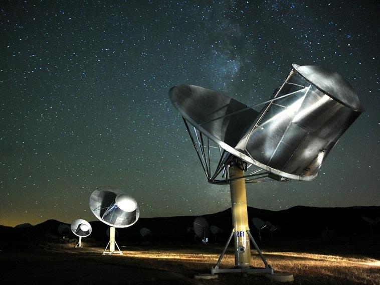 آرایه ی تلسکوپ های رادیویی آلن