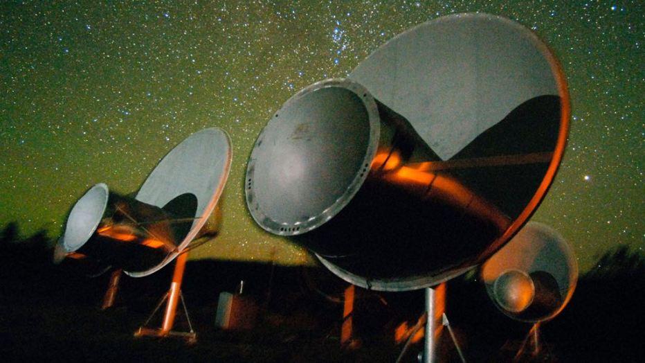 موسسه ستی با استفاده از آرایۀ تلسکوپی آلن در شمال کالیفرنیا سیگنال های ستاره HD 164595 را دنبال می کند.