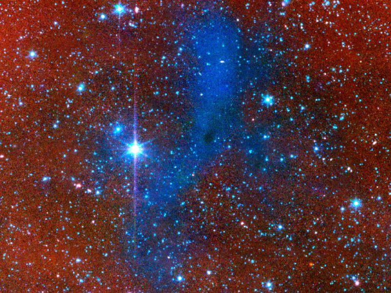 گرد و غبار ابری بنام L183، که احتمالا یک منطقه ی شکل گیری منظومه های خورشیدی آینده میباشد، این عکس توسط توسط تلسکوپ فضایی اسپیتزر در سال 2010 ثبت شده است.